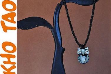 Collier HIBOUX EN NACRE, pendentif HIBOUX EN NACRE et collier de perles