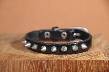 Bracelet en cuir PUNK ROCK avec SPIKES - NOIR
