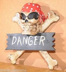 Décoration murale TETE DE MORT bois - crâne squelette pirate biker  HARLEY CROSS BONES 2 couleurs