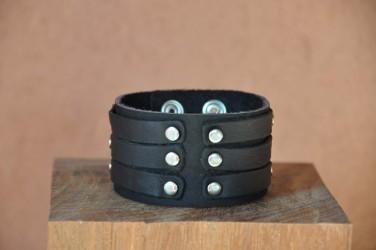 Bracelet cuir de force 3 bandes rivets noir
