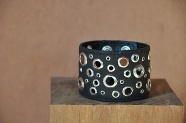 bracelet-cuir-femme-MULTI TROUS-NOIR