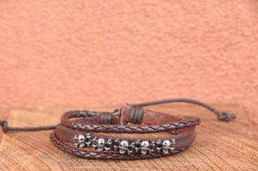 Bracelet cuir fin TETE DE MORT CROSS BONES - ajustable
